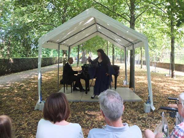 Flanierkonzert im Schloßpark Rumpenheim